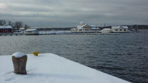 Ingen is i Norra hamnen utanför Ekenäs