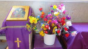 Blomsterprytt ris i Borgå ortodoxa kyrka inför palmsöndagen.