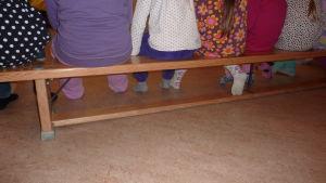 Förskolebarn vid Kila daghem i Karis.