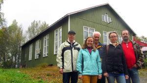 Henrik Ingo, Jenny Öist, Kaj-Erik Pått, Pia Smeds och Börje Grims framför Wasa uf Skatila.