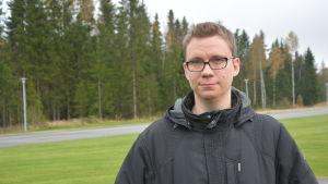 Thomas Bäck har över sjutusen gillare på Facebook