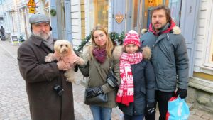 Ryska turister i gamla stan i Borgå