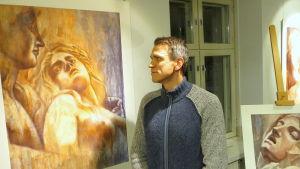 Konstnär på utställning