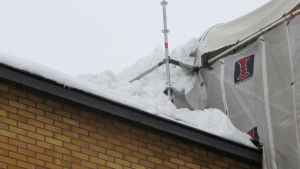 smältande snö sökte sig in i lypa som renoveras 22.02.16