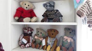 Några av Kerstin Enboms berömda nallebjörnar