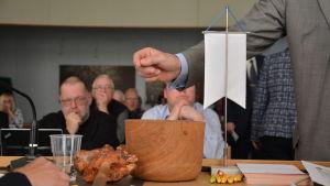 Kimitoöns kommunfullmäktige röstar om andra viceordförande.