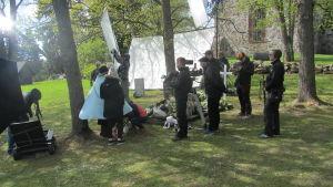 Filmen Klassträffen 2 spelas delvis in vid Sibbo gamla gråstenskyrka