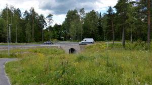 Gångtunnel under Skårgårdsvägen vid Norrbyåsen.