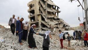 Det kurddominerade distriktet Cizre har skadats svårt i sammandrabbningar mellan armén och kurdrebeller.