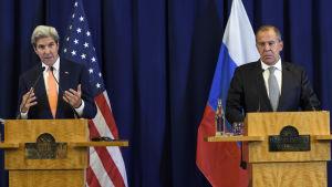 USA:s utrikesminister John Kerry och hans ryske kollega Sergej Lavrov håller presskonferens i Genéve 10.9.2016