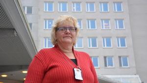 Carina Smeds, sekreterare på hjärtövervakningen på Vasa centralsjukhus.