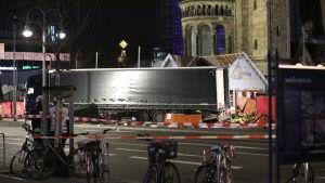 Lastbilen som körde in i julmarknaden.
