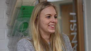 Clara Wirta går i Gymnasiet Grankulla samskola.