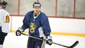 Valtteri Filppula tränar på isen med landslaget.