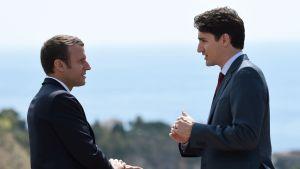 Justin Trudeau och Emmanuel Macron träffas under G-7 mötet i Taormina maj 2017