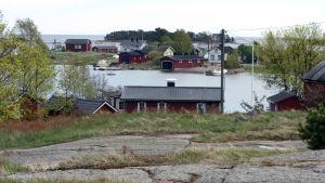 Haapasaari on saaristokylä