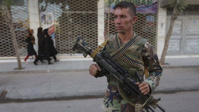Afghaner bombade av utlandsk militar