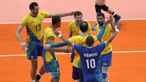 Brasilien jublar i volleybollfinalen.