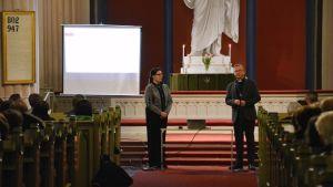 Möte i Lovisa kyrka.