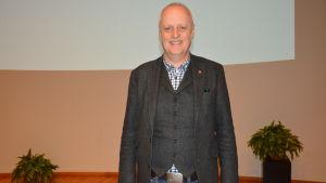 Bo Hejlskov Elvén, psykolog och författare, föreläste om problemskapande beteende i Vasa på torsdagen.