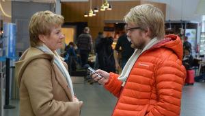 Rönnaug Egner var på väg till Oslo. Hon hade avbokat en del möten på grund av förseningen.