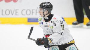 Sakari Manninen som startade säsongen i HPK blev avgjorde för Kärpät i semifinalserien mot TPS.