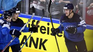 Mikko Rantanen gjorde 1-0-målet i början av andra perioden.