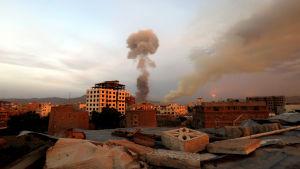 Explosion i Jemens huvudstad Sanaa.