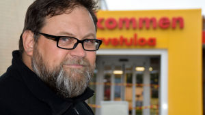Porträttbild på Tom Hietanen.