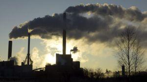 Fortums kraftverk i Finno i vinterkylan.