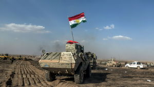 Peshmergastyrkor från irakiska Kurdistan har inlett en ny offensiv för att inta områden nära Mosul inför en storoffensiv mot själva staden i höst