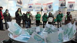 Jablokos anhängare protesterade mot korruption inför dumavalet 2011