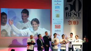 Danska Nomas anställda i London då Noma utsågs till världens bästa restaurang vid Pellegrino World Awards 26.4.2010