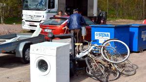Otto insamlingsbilen besöker Pernå kyrkoby.