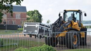 traktor med last