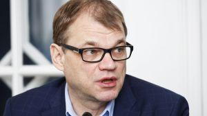 Juha Sipilä på statsministerns frågetimme 20 december.