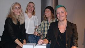 Designstuderande Eva Weckström, Emma Ingelin, Kasper Tuomala och Joel Stolpe