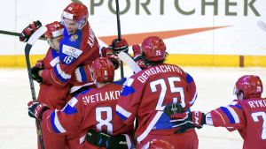 Ryssland firar efter segern över Danmark.