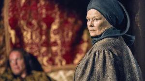 Judi Dench on herttuatar Cecily