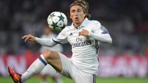 Luca Modric spelar länge i Real Madrid.