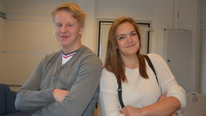 Eddie Lindbom och Ida Flemmich, elevkårens ordförande i Ekenäs respektive Karis-Billnäs gymnasium.