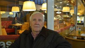 Åbobob kommenterar alkoholkultur ombord på kryssningsfartyg.