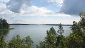 Här i havet framför Rilaxmonumenten kan slaget vid Rilax ha ägt rum 1714.