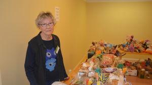 Maija Leppänen vill visa kärlek åt sin nästa genom att hjälpa till i matbanken.