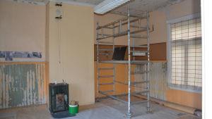 Renovering pågår i det gamla stationshuset i Täkter.