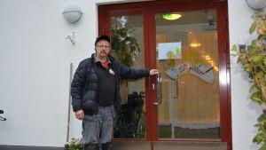 Rainer Bystedt vid demensboendet Rosengården