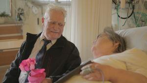 Veikko, 86, tapasi pikkusiskonsa Ainon ensi kertaa vuoden 1944 jälkeen.