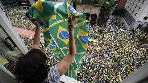 protest mot dilma rouseff i brasilien