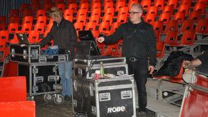 Sirkus Finlandia kollar ljudet innan premiären 2015.
