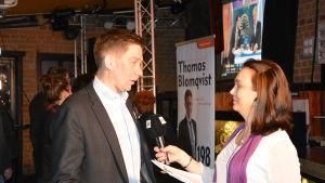 Thomas Blomqvist intervjuas av Tove Virta.